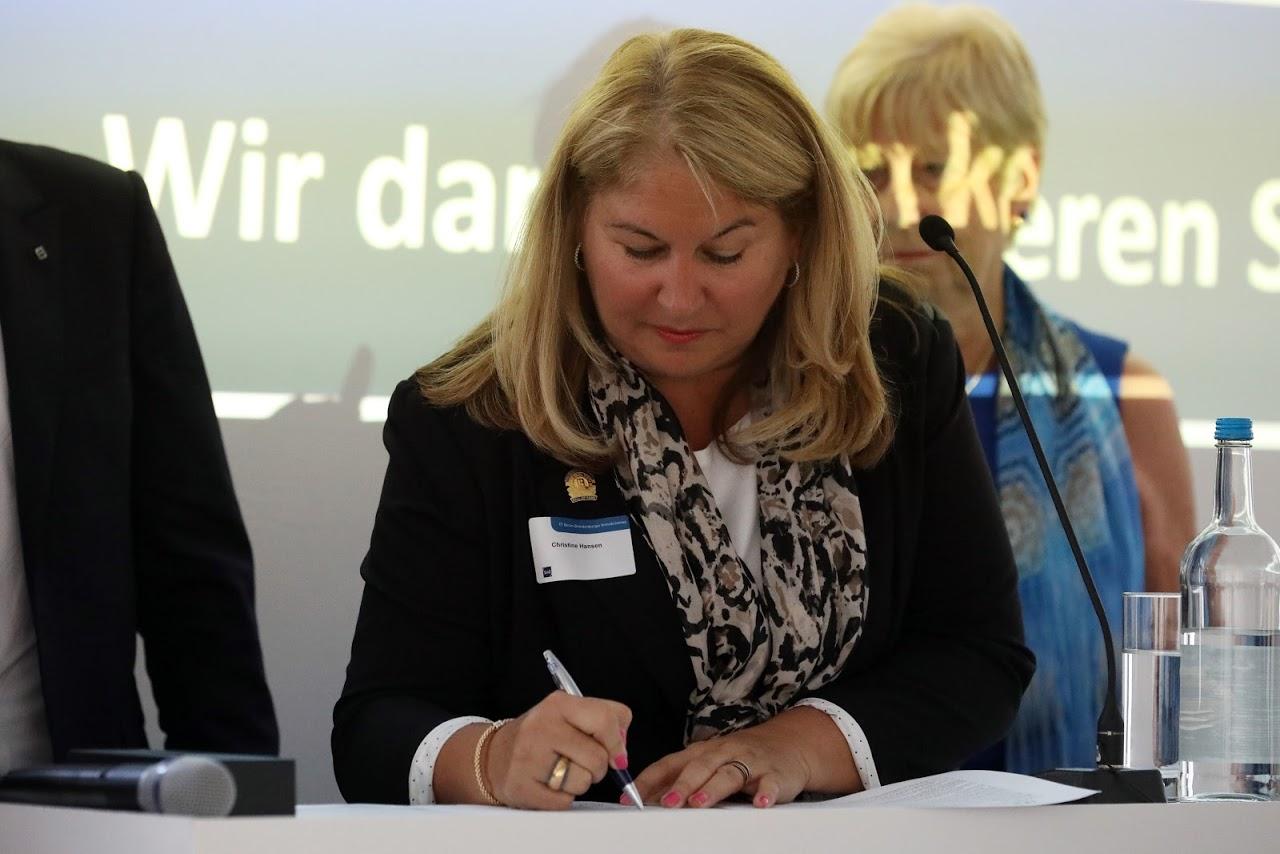 """""""Memorandum of Understanding"""" zwischen der Florida Realtors Association und dem IVD Berlin-Brandenburg"""