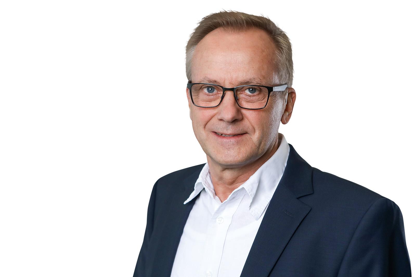 Stefan Böker, Immobilienmakler