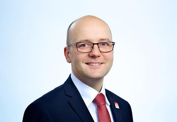 Enrico Roth, einer von zwei Geschäftsführern des Familienunternehmens Roth-Massivhaus.